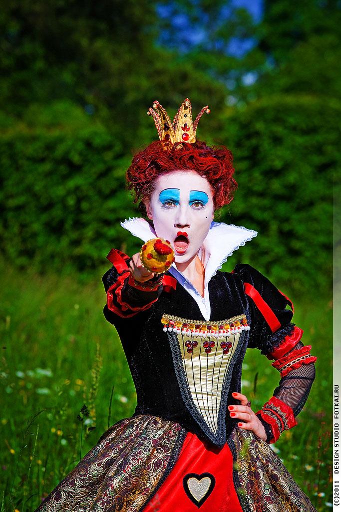 Красная Королева Алиса В Стране Чудес Фото энн хэтэуэй фильмография