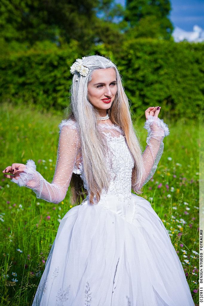 Платье белой королевы из алисы в стране